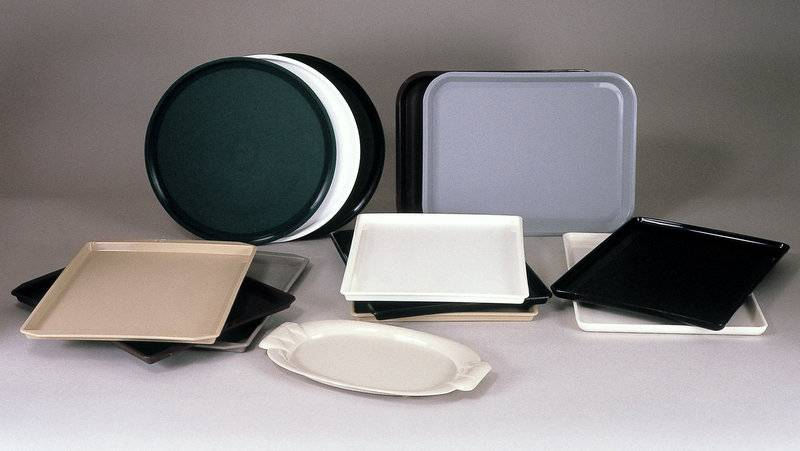 VALUE LINE: Hotel Guest Room Trays, Durable Plastic, WHITE Rectangular Tray with Round Corners-10.5